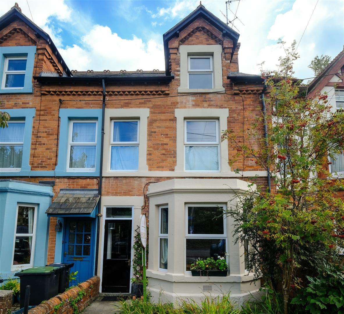 4 Bedrooms Detached House for sale in St. Andrews Road, Bridport